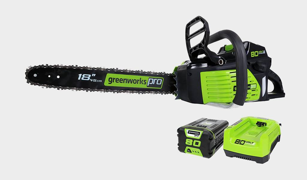 4 - Greenworks Pro GCS80420 18-Inch Cordless Chainsaw- Best battery-powered